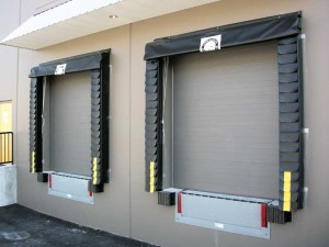Smooth-face, insulated panels can be field-painted any colour. The nature of this door allows for the darkest colours to be used without causing a buckle in the panel due to heat buildup on the surface, unlike the sections that have polyurethane insulation.