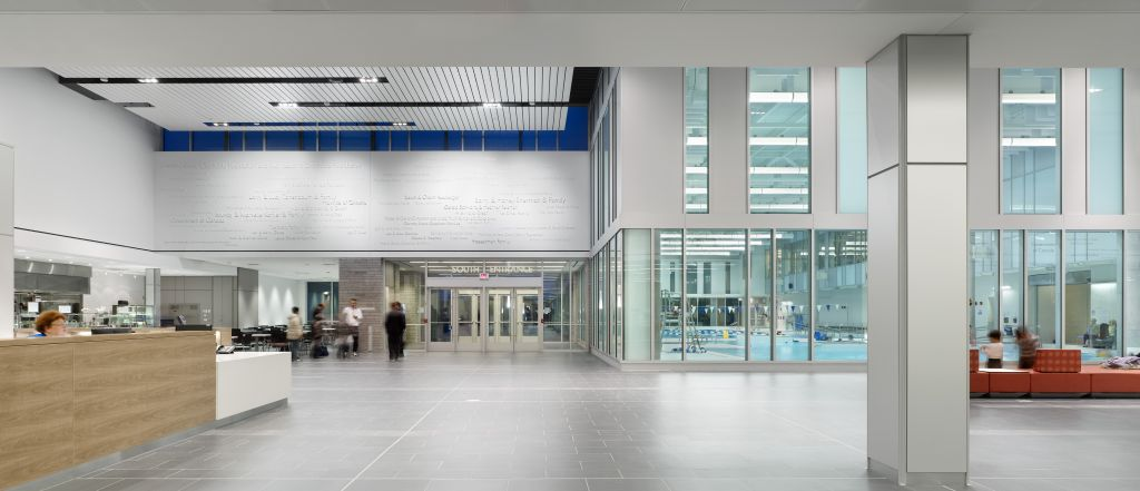 An interior pedestrian walkway was designed to model urban 'streets' and allows visitors to walk north to south, and east to west within the facility. Photo © Tom Arban Photography