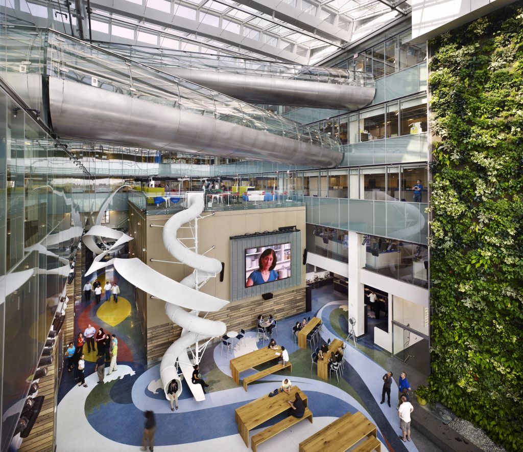 On Toronto's waterfront, the 44,594-m2 (480,000-sf) Corus Quay—also on page 100—is a hub of wellness and creativity. The LEED Silver offi ce interior, by Quadrangle, provides employees and visitors with an airy environment fi lled with natural light and an array of working scenarios to suit employee preferences. The building opens to both Lake Ontario and Sugar Beach park, drawing connections to the outdoors.