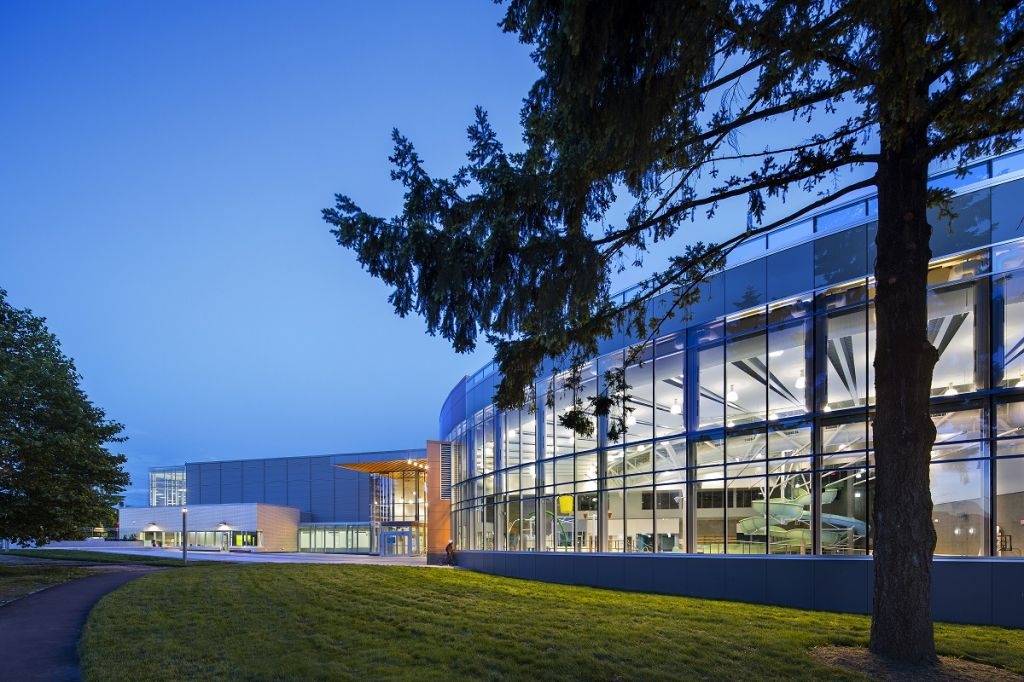 Designed by CEI Architecture, the Edmonds Community Centre (Burnaby, B.C.) includes pools, twin gymnasium, and preschool play centre. Photos © Ed White Photographics