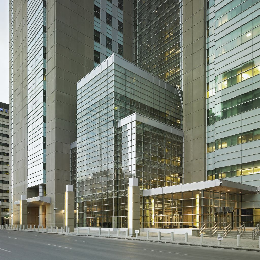 The $300-million, 92,903-m2 (1million-sf) Calgary Courts Centre is regarded as one of the largest and most unique courthouses in North America.