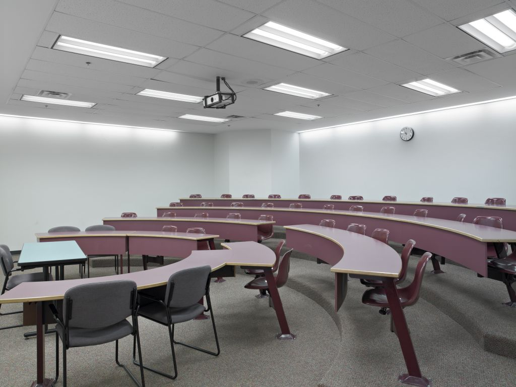 In addition to the labour savings, Grant MacEwan University achieved significant lighting quality, illumination levels, energy savings, and appearance of the volumetric lighting system.