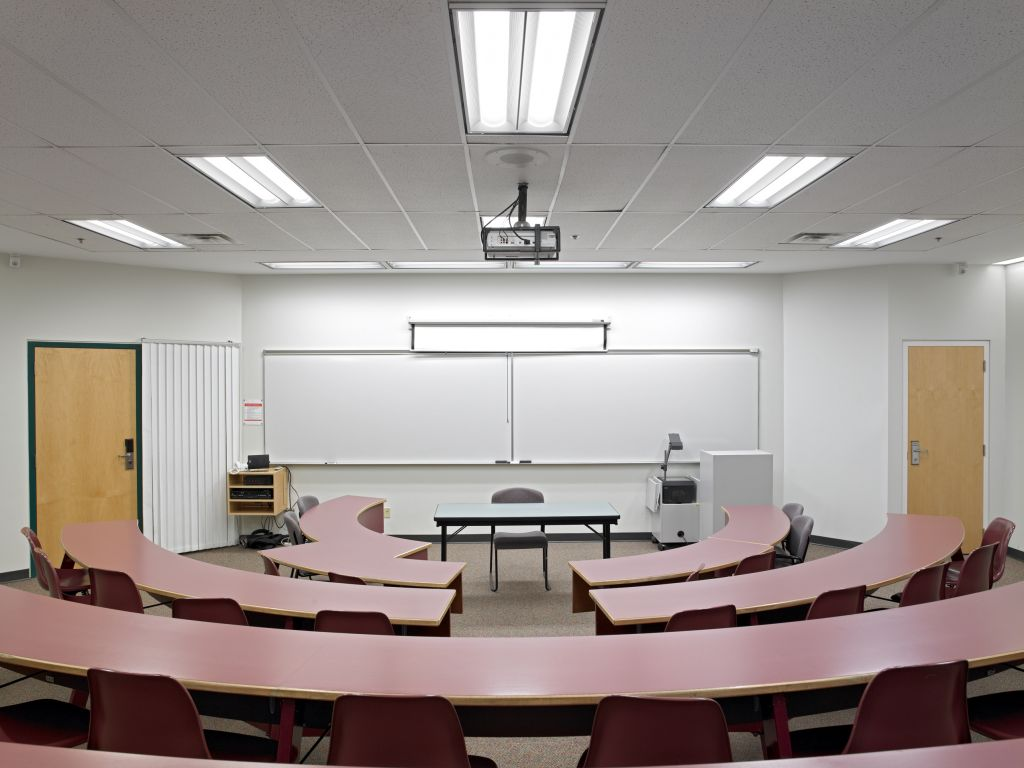 University Classroom Design Manual ~ A guide to retrofitting with led lighting construction