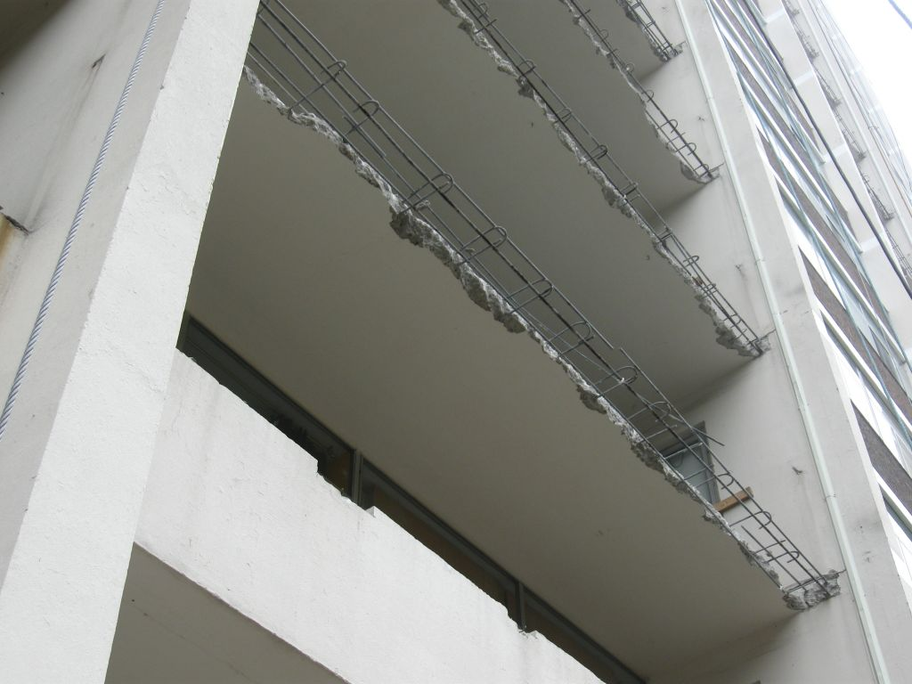 Building more durable balconies construction canada for Definition for balcony
