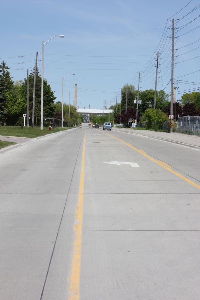 The Pavement Design Assistance Program (PDAP) helps planners and design professionals consider concrete pavement alternatives for road and parking lot projects. Photo courtesy RMCAO