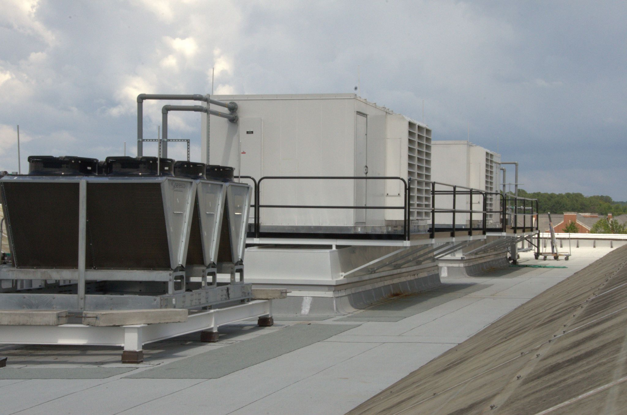 Compared to conventional dehumidifi ers, new technologies can perform at the same overall effi ciency on the hottest summer days while providing higher effi ciencies the rest of the year.