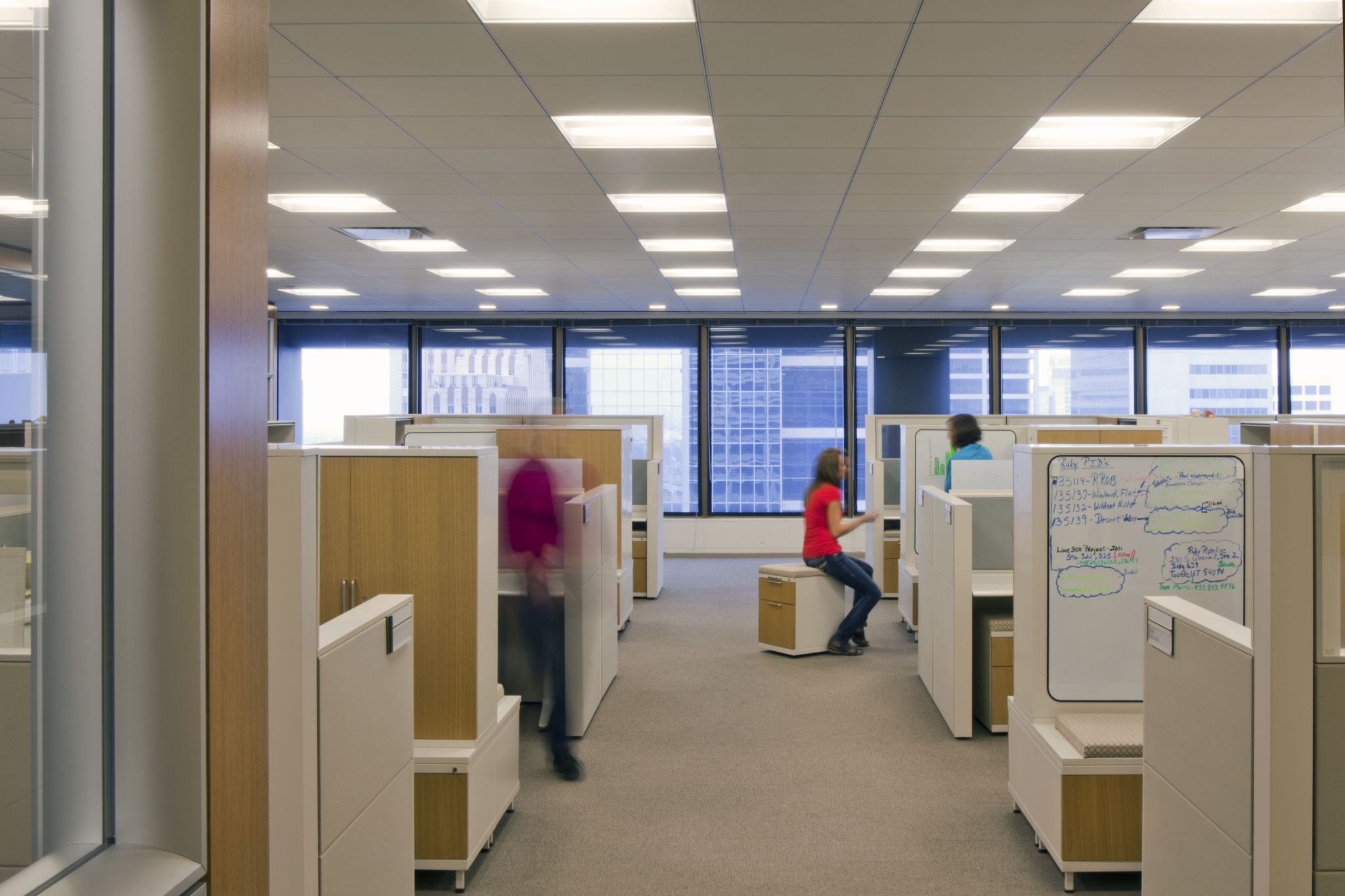 In offi ce spaces without adequate insulation, it is not uncommon for productivity to drop when employees can hear nearby conversations.