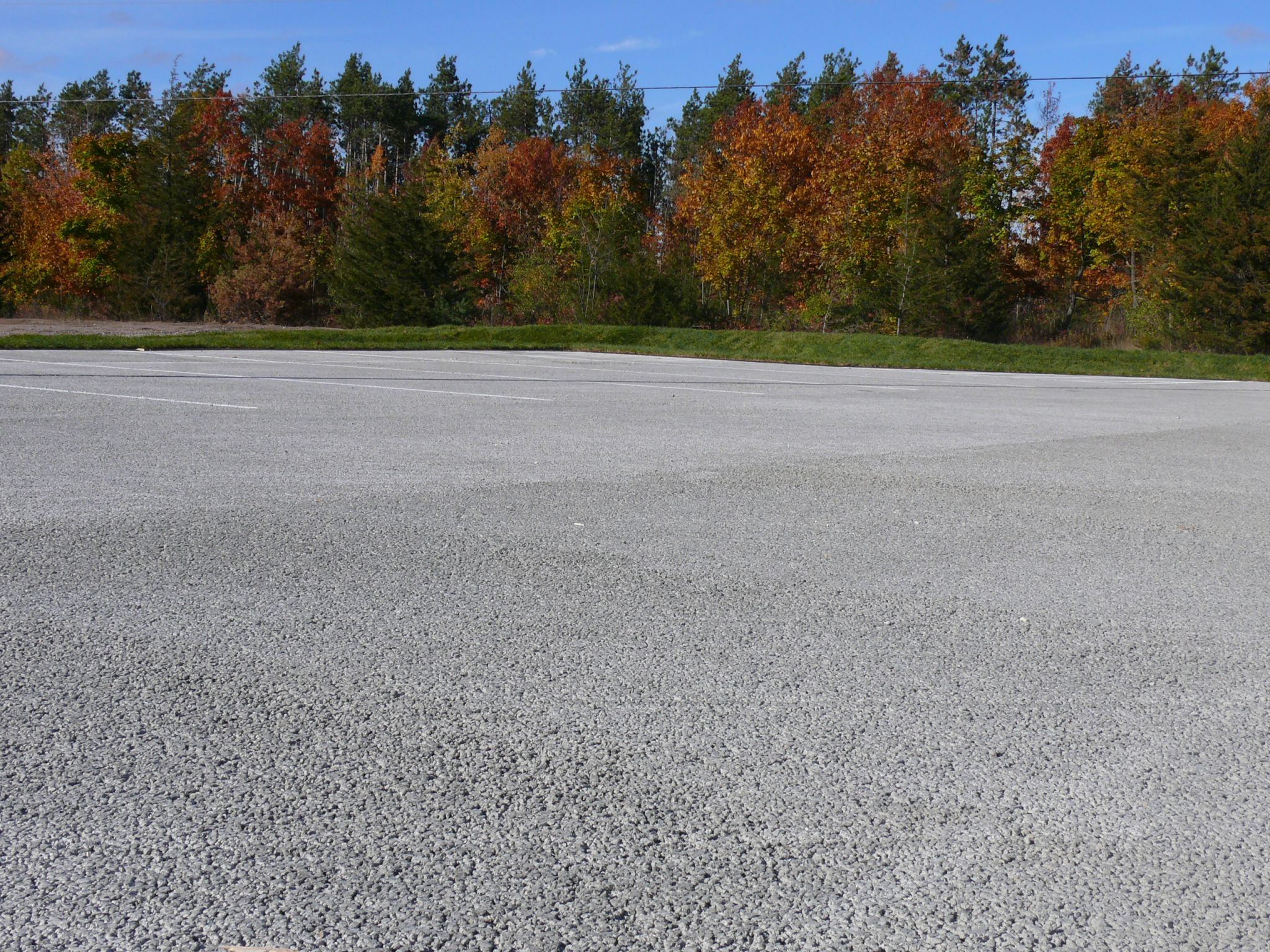 A pervious concrete pavement parking lot, just west of Barrie, Ont., in Simcoe County. Photo courtesy MTO