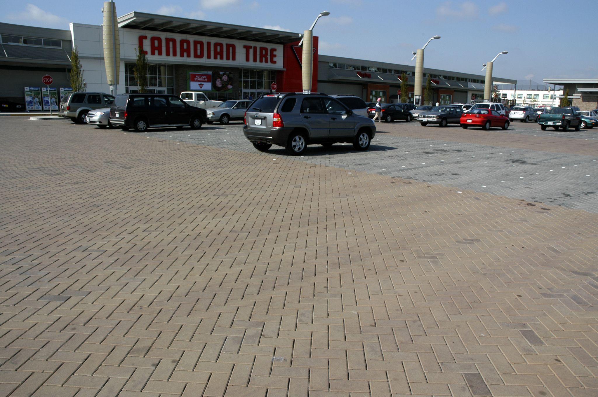 The Marine Way Market (Burnaby, B.C.) benefi ted from use of PICP. Photos courtesy ICPI