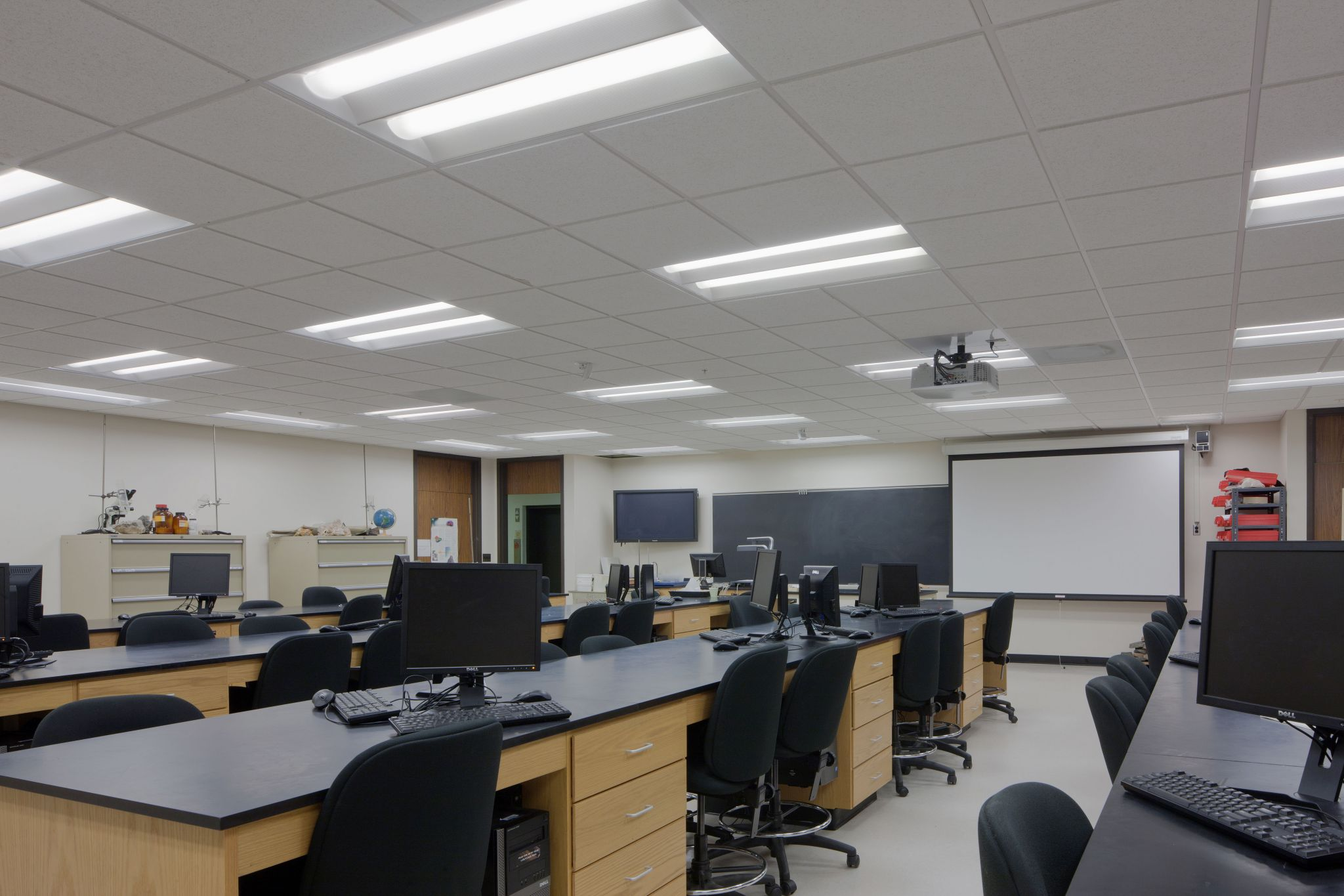 High-performance fluorescent fixtures were installed across Towson University campus in Maryland, including in science labs, for better quality lighting and energy savings.