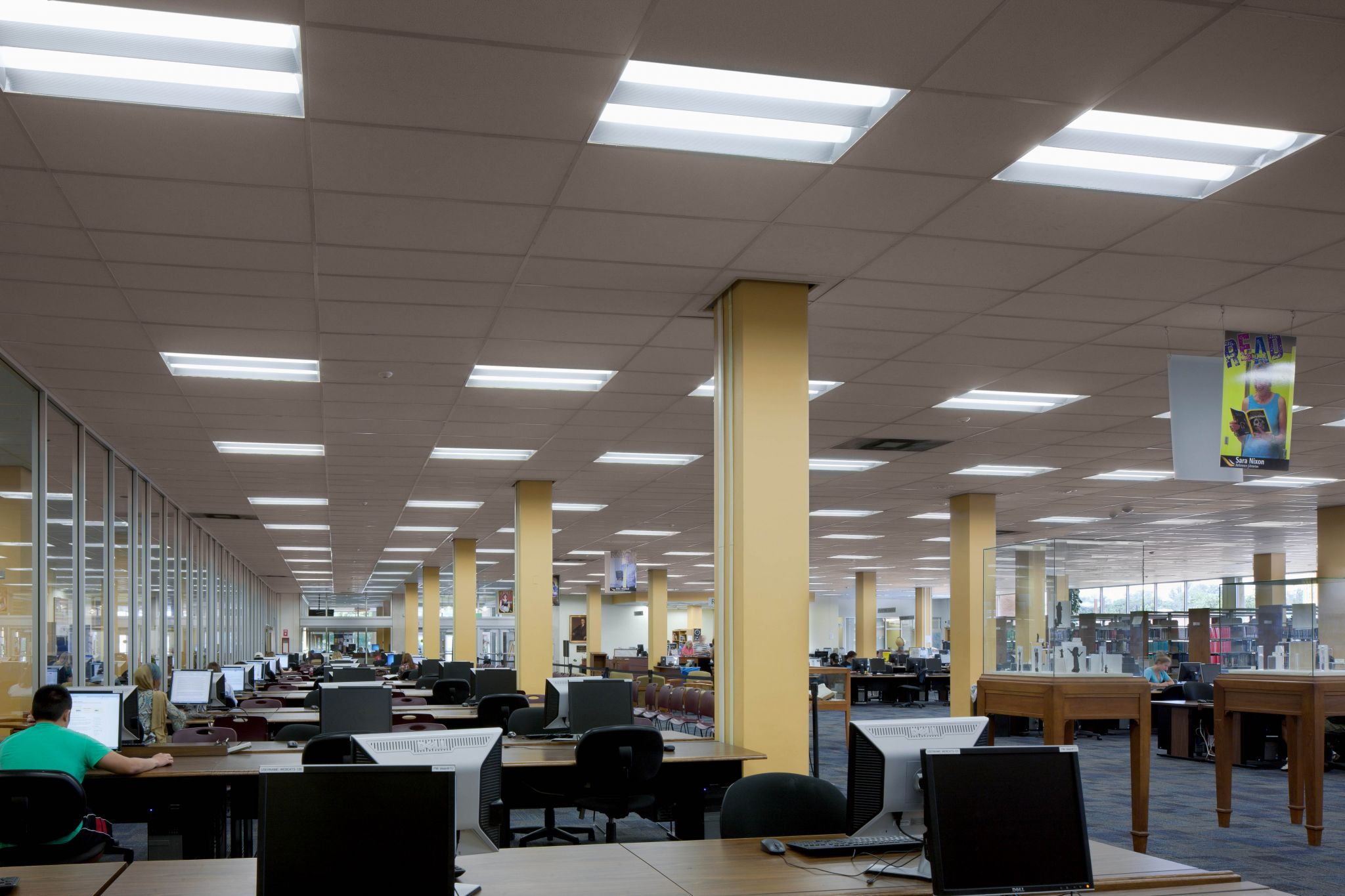 The high-performance fluorescent fixtures installed in the Towson University library enable $200 to $300 daily reductions in energy costs. This savings amounts to more than $100,000 annually.