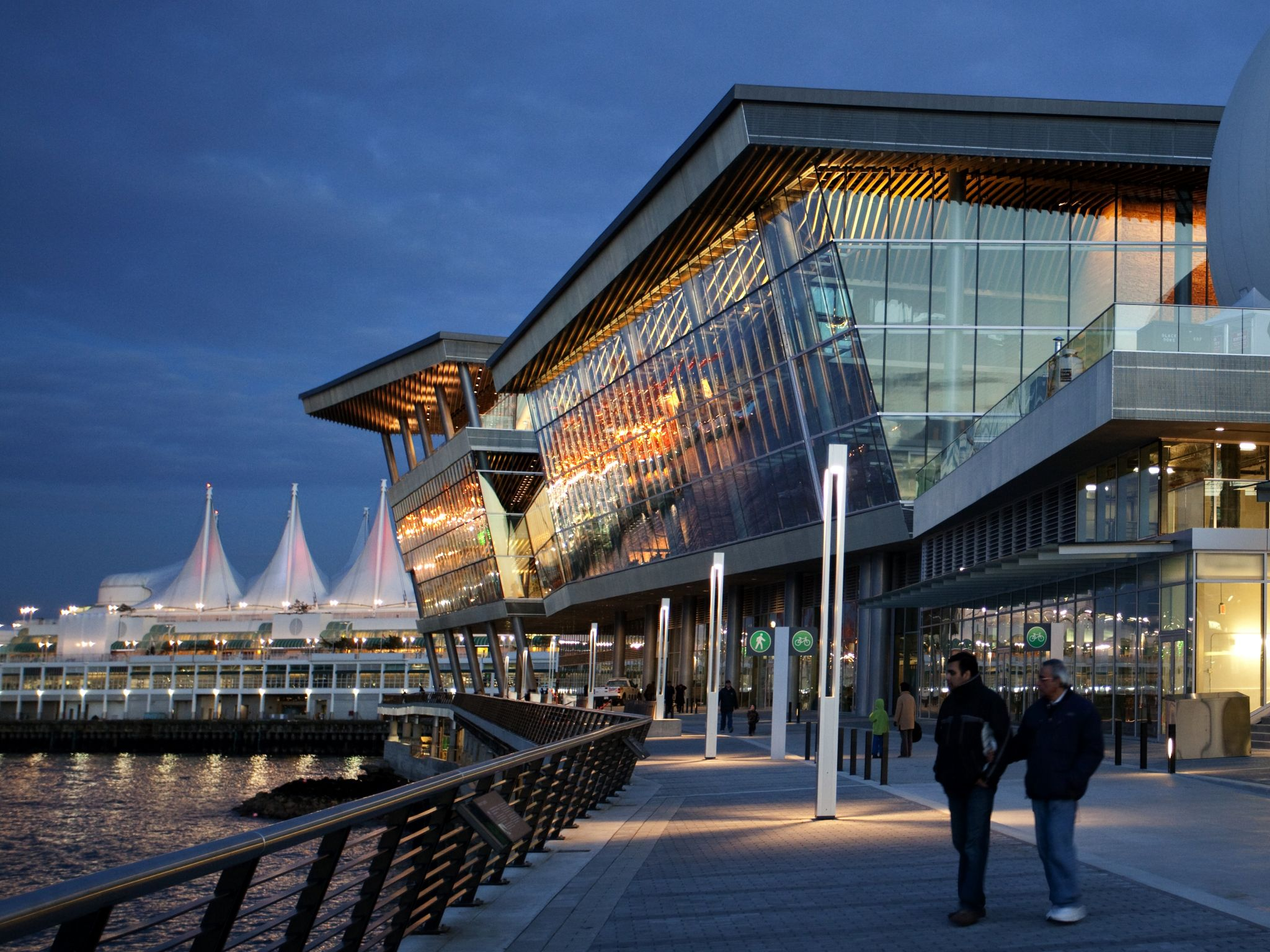 The Vancouver Convention Centre West was certifi ed LEED Platinum by the Canada Green Building Council (CaGBC). The project features extensive use of natural daylighting and ventilation. Photo courtesy LMN Architects