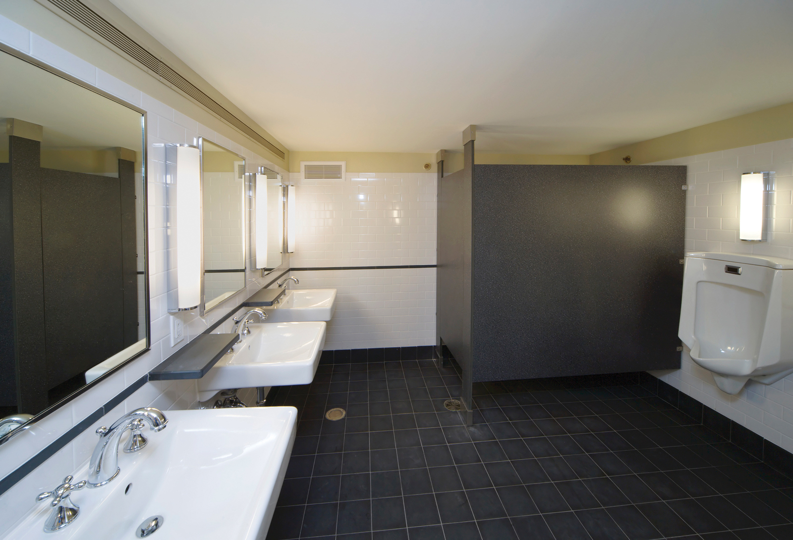 When designing public restrooms, Canadian Standards Association (CSA) B651-12, Accessible Design for the Built Environment, should be followed to ensure best practices. Photo © BigStock/Roy Grogan