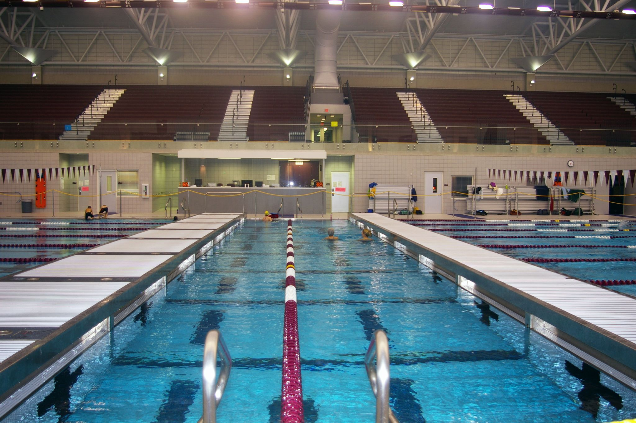 The new 4645-m2 (50,000-sf) Jenks Trojan Aquatic Center (JTAC) in Oklahoma owes its excellent IAQ to dehumidifi ers and a chloraminescapture gutter system. Photo courtesy John Peterson