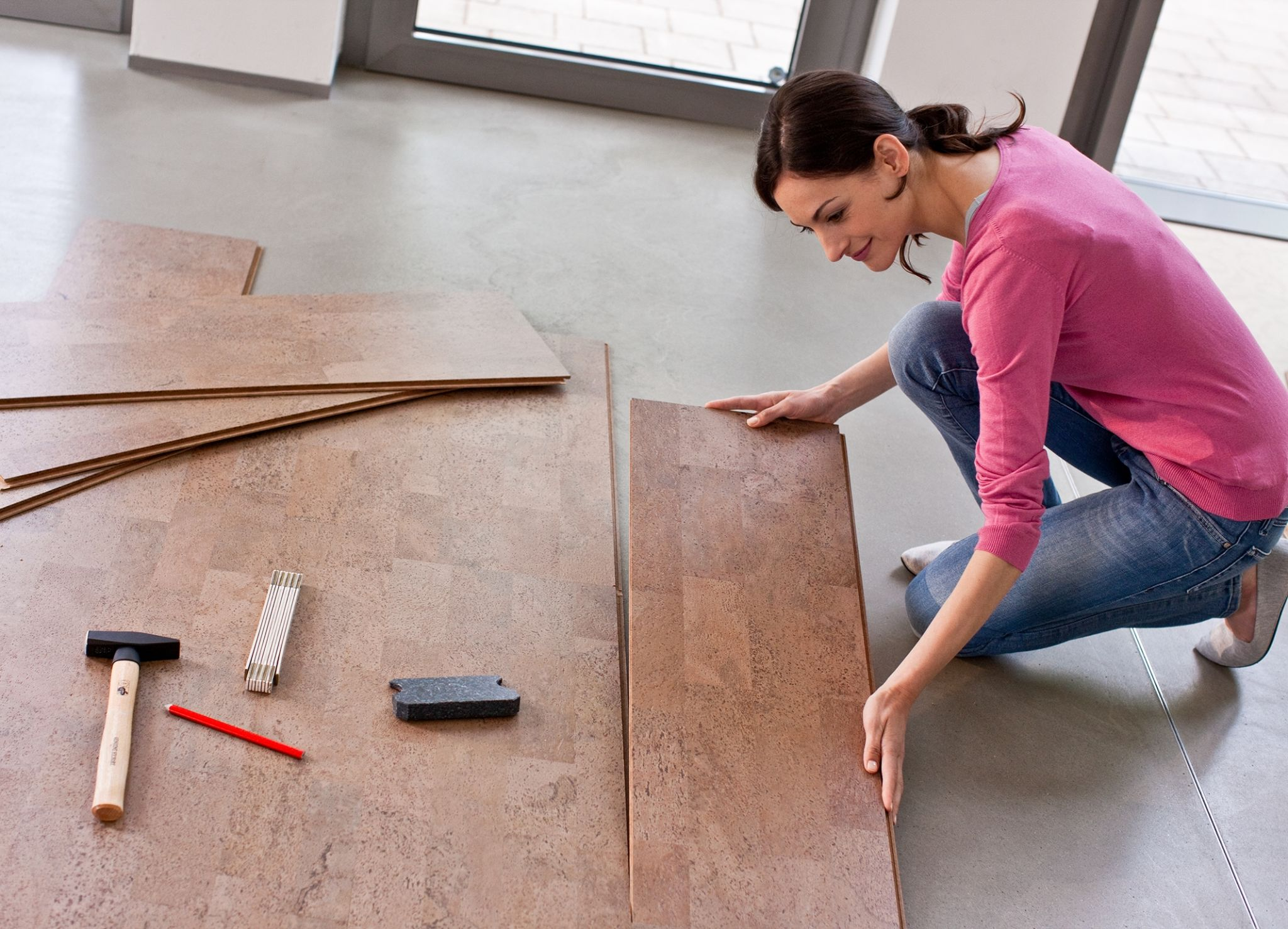 Evolution of cork flooring from pushpins to fashion for How to install floating cork flooring