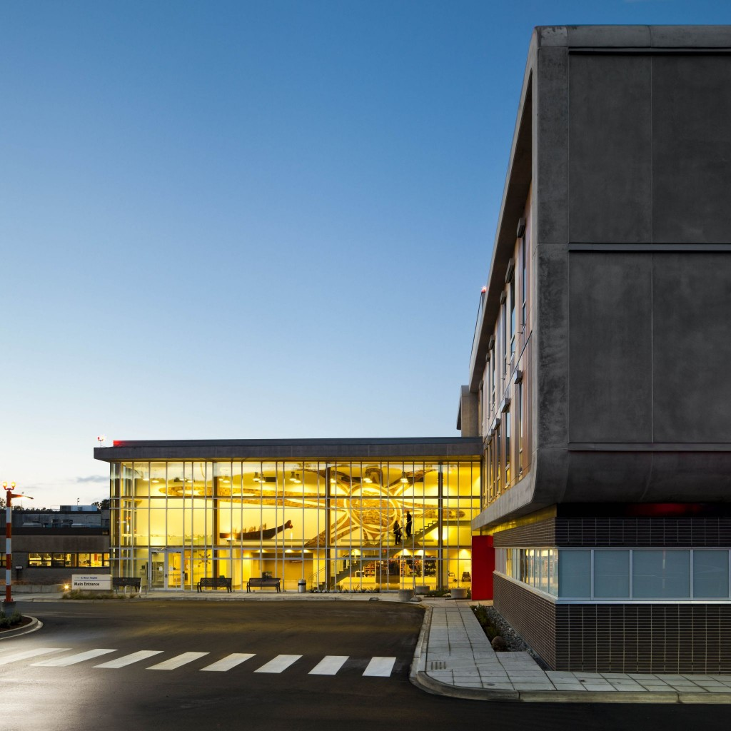 Located in Sechelt, British Columbia, St. Mary's Hospital achieved carbon-neutrality by employing energy conservation measures to reduce the emission of greenhouse gases (GHG) from burning oil, coal, or gas. Photos © Latreille Delage. Photos courtesy Farrow Partnership Architects
