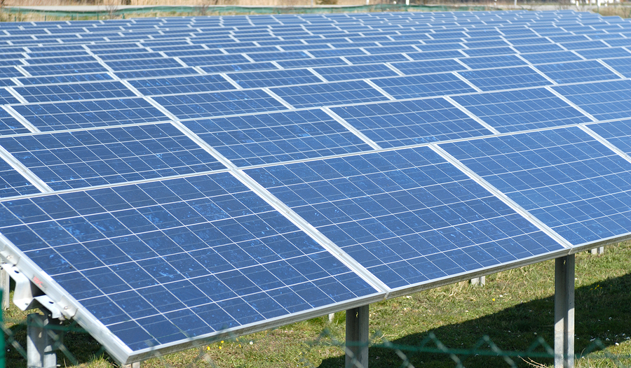 A new solar photovoltaic (PV) energy project is being constructed in Georgina, Ontario. Photo © BigStockPhoto/Alexander Mironov