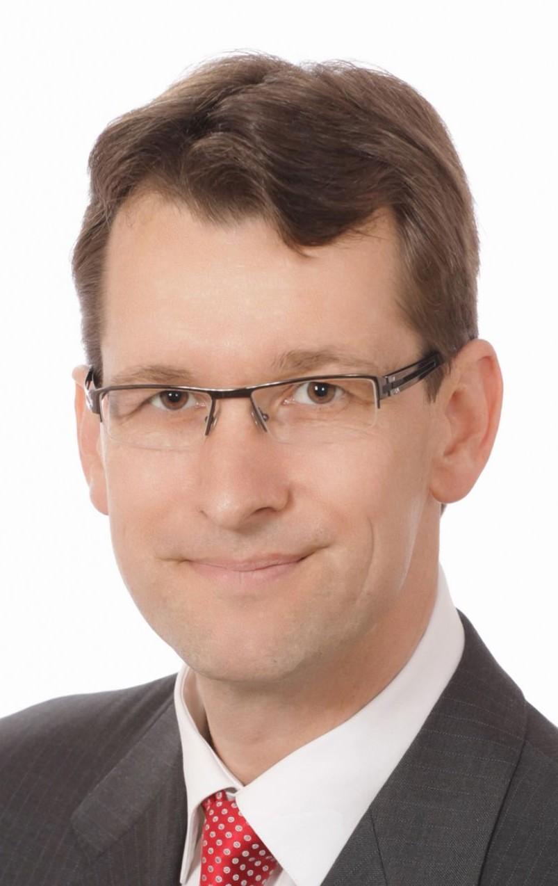 Niklas Moeller head shot_hi res