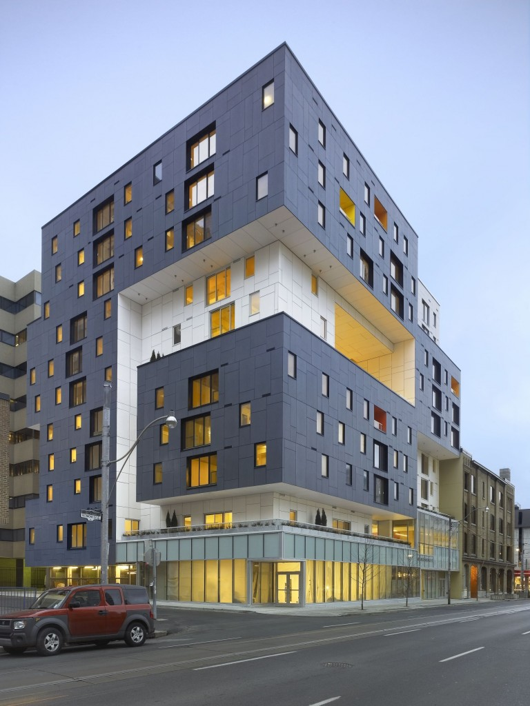 The 60 Richmond East project in Toronto was a Design Excellence winner at the 2010 Ontario Association of Architects (OAA) Awards. Photo © Shai Gil
