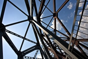 The Buy American Act provisions are making it difficult for Canadian steel firms to supply their home market, according to Canadian Institute of Steel Construction (CISC). Photo © BigStockPhoto/Aggphotographer