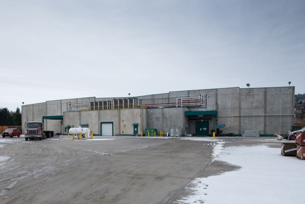 The new B.C. Tree Fruits Cooperative's facility in the Okanagan region features 23 controlled-atmosphere storage rooms with insulated metal panels (IMPs). Photos courtesy Kingspan Insulated Panels