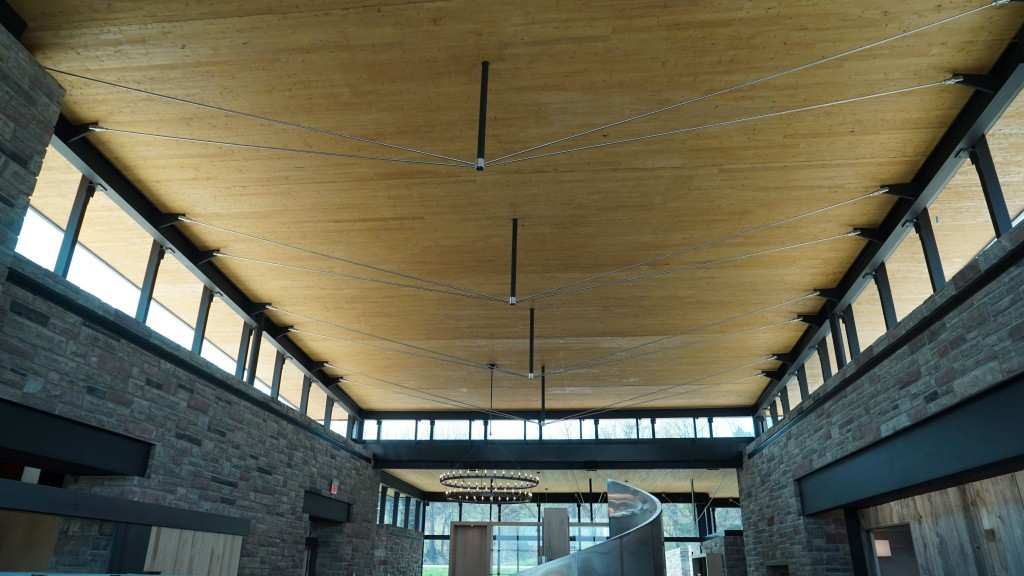 Red Stone Winery (Beamsville, Ont.) employs high-performance glazing products.