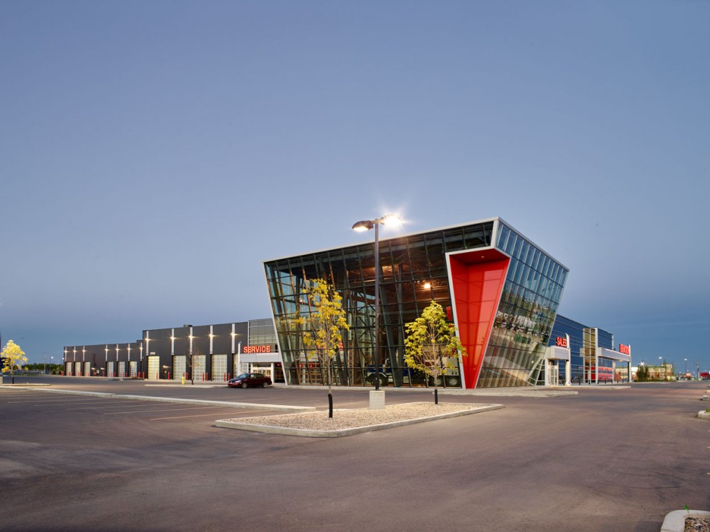 The Kenworth Truck Dealership utilized black and red insulated metal panels, a unique colour combination specific to them. Photos courtesy Kingspan Metal Products