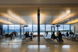 At Cranbrook/Canadian Rockies International Airport, near the B.C.-Alberta border, the use of wood provides a connection to the outdoors and a sense of well-being. Photo © Nic Lehoux