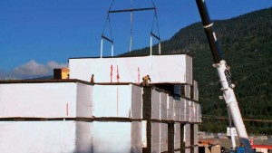 By using modular construction, there are fewer jobsite impacts because of reductions in material waste, air and water pollution, dust and noise, and fewer material deliveries.
