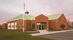 The Niagara-on-the-Lake Fire and Emergency Services Station in Virgil, Ont., keeps its cool with a metal roof that provides a solar reflectance of 0.36, emissivity of 0.85, and an SRI of 38. Photos © Craig Van Riel. Photos courtesy Vicwest