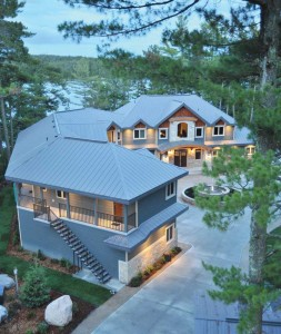 This luxury residence in Northern Ontario features a cool metal roof offering a solar reflectance of 0.45, an emissivity of 0.86, and a solar reflectance index (SRI) of 50. Photo © Janet Kimber. Photo courtesy Vicwest