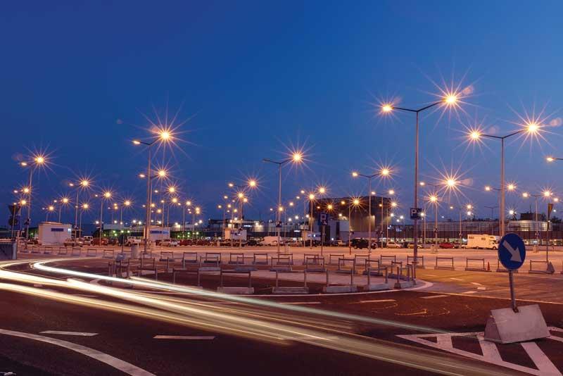bigstock-lanterns-at-shopping-mall-park-26202260