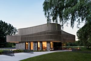 The discovery and services centre of the Îles-de-Boucherville National Park, Québec, has won several architectural awards. Photo © Adrien Williams