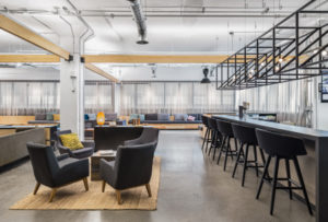 Montréal-based audiovisual company combines functionality and comfort at its new 4924-m2 (53,000-sf) collaborative workspace. Photo © Stéphane Brügger