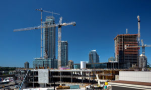 Canada's construction industry supports the decision to keep health compliant federal construction project sites open. Photo © www.bigstockphoto.com