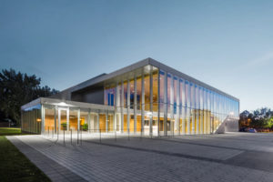 FABG architects convert the Guy-Gagnon Arena into Quai 5160, a cultural centre for the borough of Verdun, Montréal. Photo © Steve Montpetit