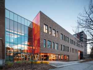 Smith Vigeant Architects and BGLA | architecture + urban design completes the Christ-Roi Elementary School extension in Montréal. Photo © Stéphane Brügger